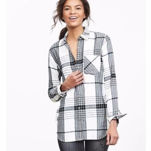 Banana Republic Soft Wash Bold Plaid Boyfriend Fit